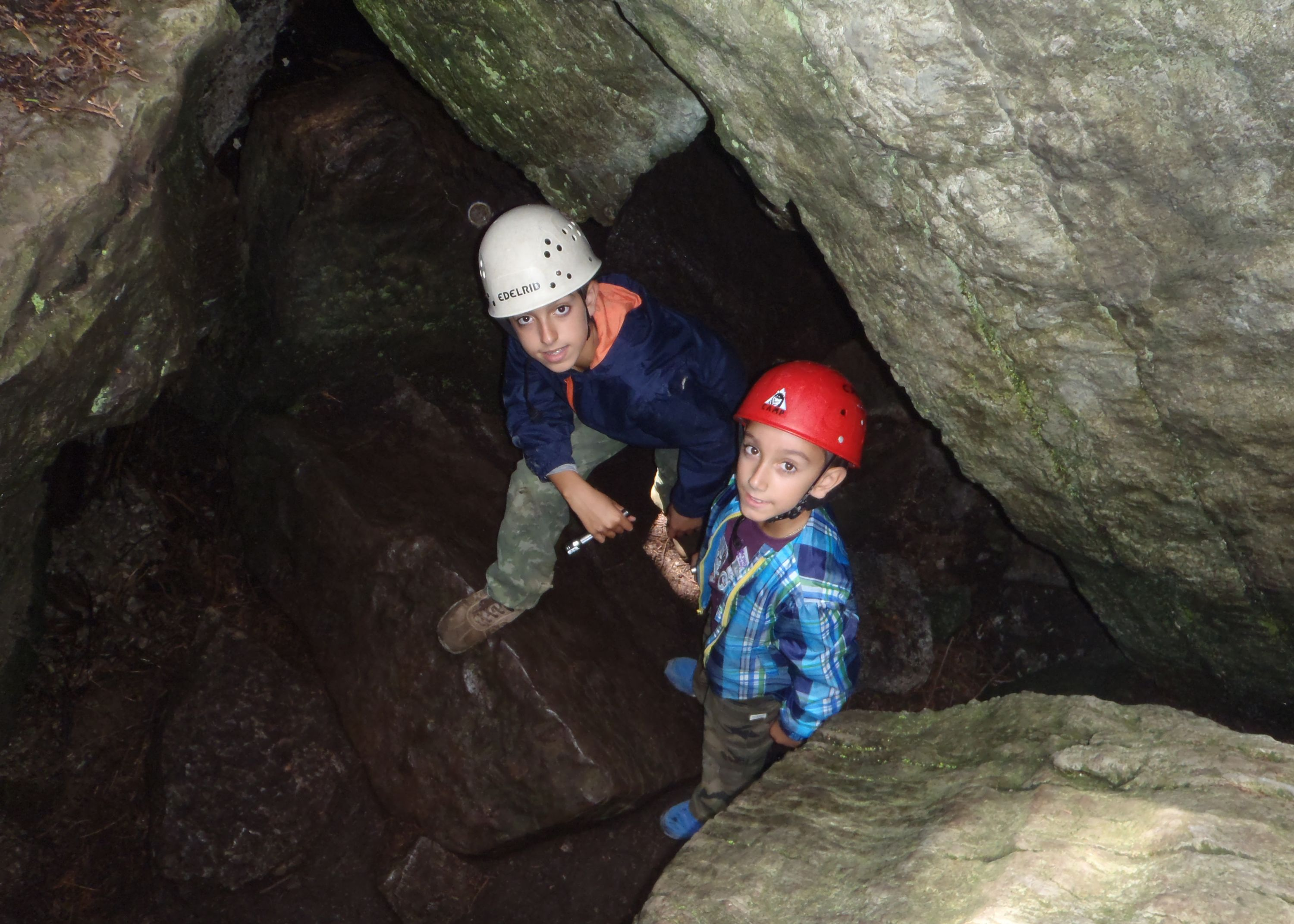 campers exploring warsaw caves with christian adventure summer camp in ontario